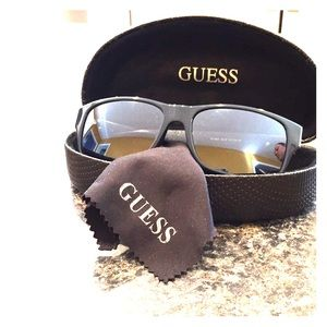 60723ff5d8 G by Guess insignia sunglasses